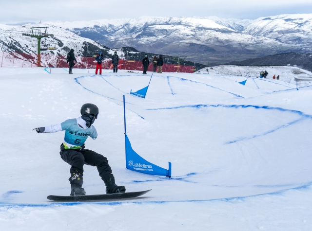 The IPC ParaSnowboard World Cup in La Molina exhibits the spectacular Dual Banked Slalom